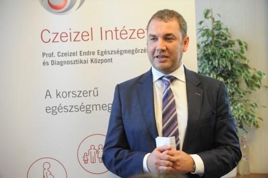 Diagnosztikai központot neveztek el Czeizel Endréről   Bébik d4d1073fe0
